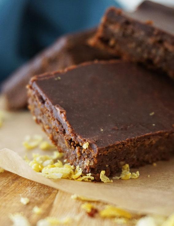 A alfarroba é um excelente substituto para o chocolate