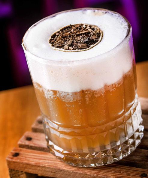 Dia da Cachaça: restaurantes oferecem a bebida em diferentes pratos e drinques
