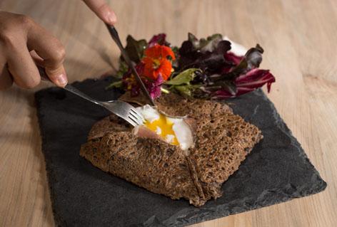 Restaurante francês especializado em Crepe e Tartare abre em Curitiba