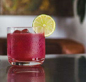Janeiro acabou, mas o verão continua! 1800 tem receitas de drink para o calor