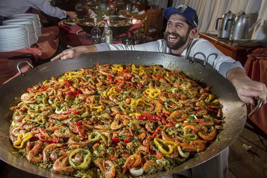 Tradicional Festa da Paella do Restaurante Vila Paraíso