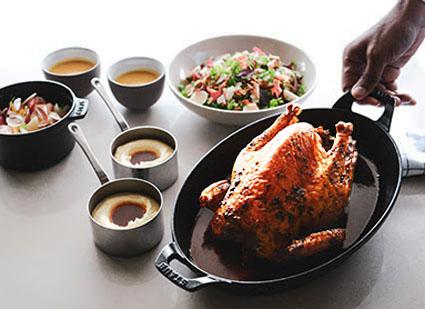 Chef estrelado Marcel Ravin ensina receita clássica de frango assado