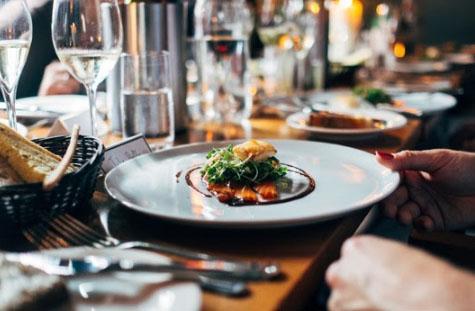 Restaurantes já recuperam 87% do faturamento mensal
