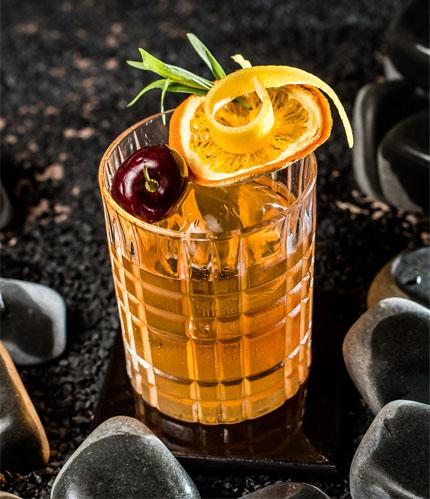 Frank Bar lança nova carta de drinques com viagem aos primórdios da coquetelaria