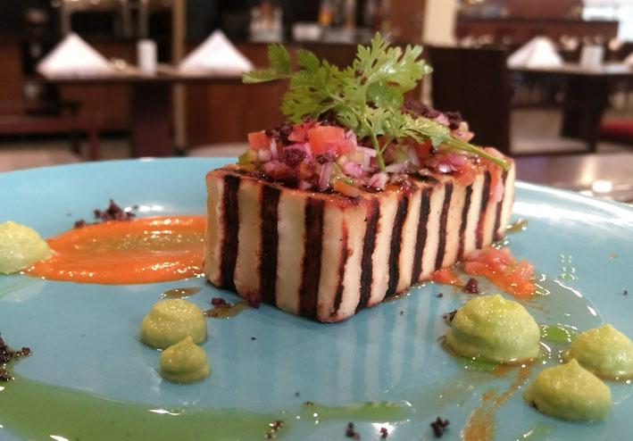 Restaurante Naia reformula cardápio e inclui mais opções regionais
