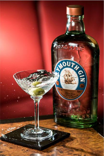 Plymouth Gin e Frank Bar se unem para contar a evolução do Martini