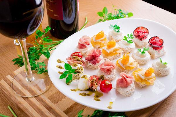 Com cardápio e preço fixo, circuito gastronômico presenteia clientes com prato colecionável