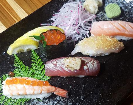 Restaurante Yamanashi adota o Omakase, menu degustação em estilo japonês