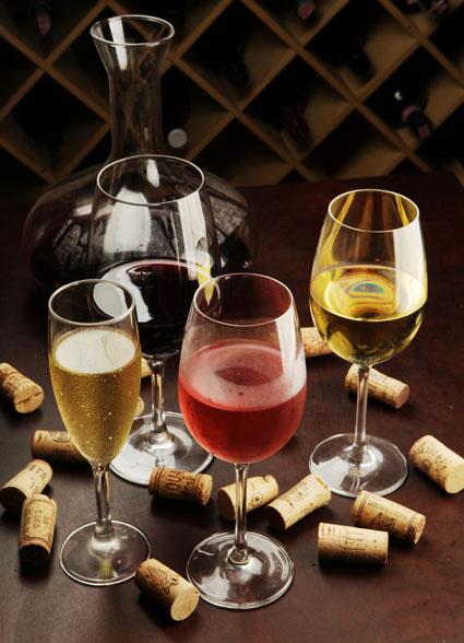 Serrado Vinhos & Bistrô oferece degustação gratuita de vinhos