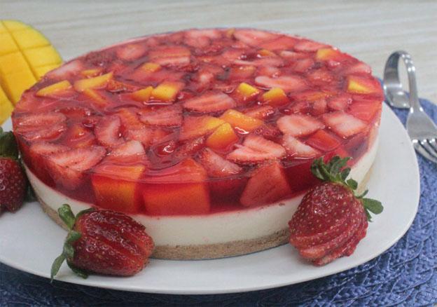 Torta Espelhada de Abacaxi Zero Açúcar